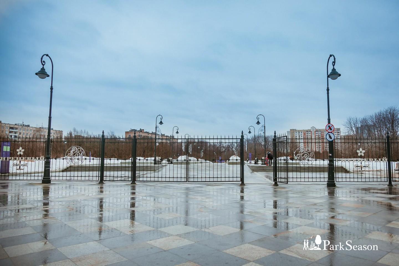 Главный вход, Сиреневый сад, Москва — ParkSeason