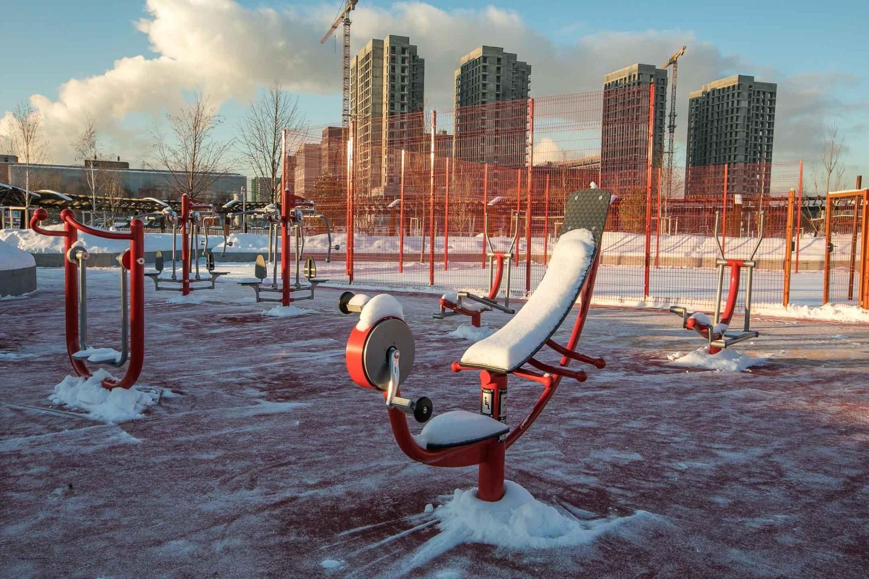 Уличные тренажеры, Парк Тюфелева роща, Москва — ParkSeason