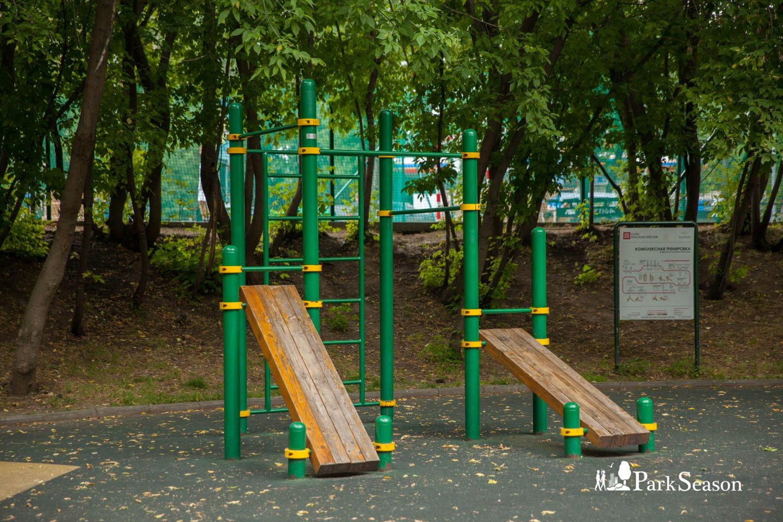 Площадка WorkOut, Парк «Красная Пресня», Москва — ParkSeason