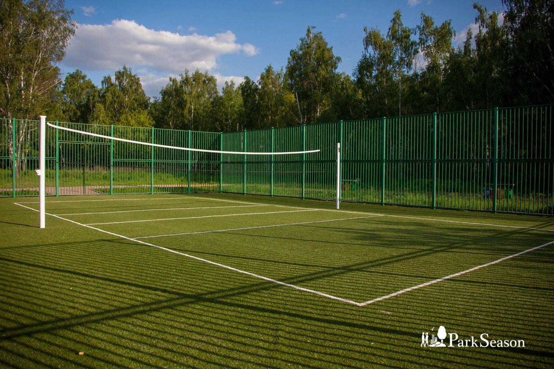 Спортивная площадка, Строгинский парк, Москва — ParkSeason