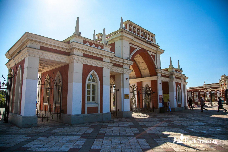 Главный вход, Музей-заповедник «Царицыно», Москва — ParkSeason