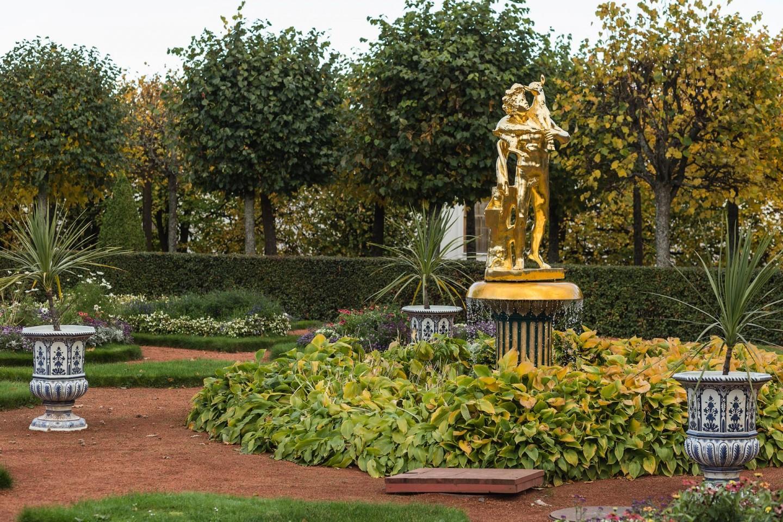 Фонтан «Колокол» со статуей «Фавн с козленком» — ParkSeason