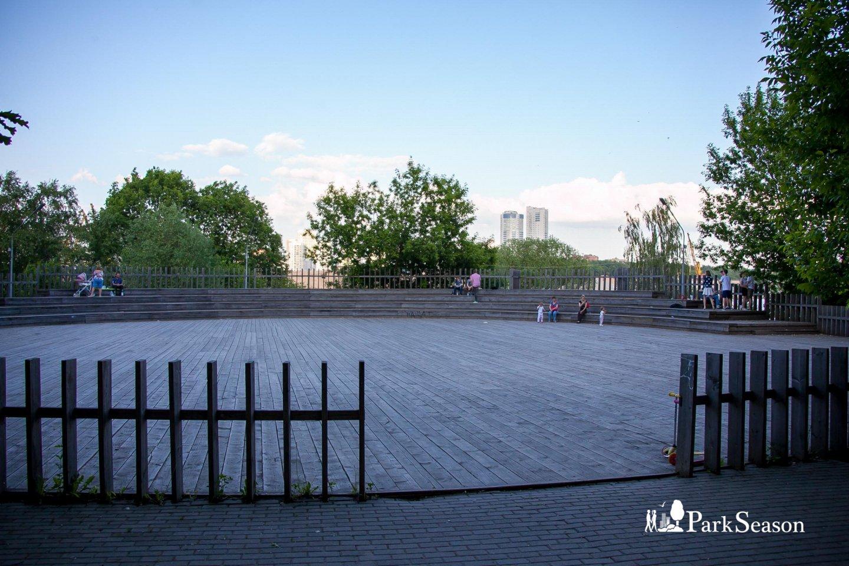 Танцевальная площадка, Парк «Северное Тушино», Москва — ParkSeason