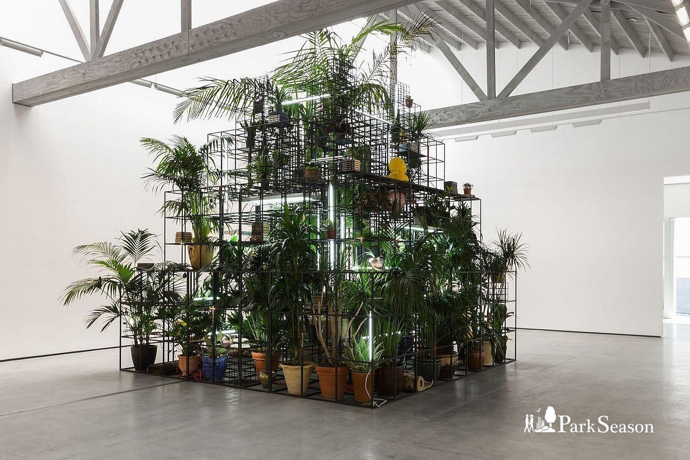 Инсталляция Рашида Джонсона «В нашем дворе», Парк Горького, Москва — ParkSeason