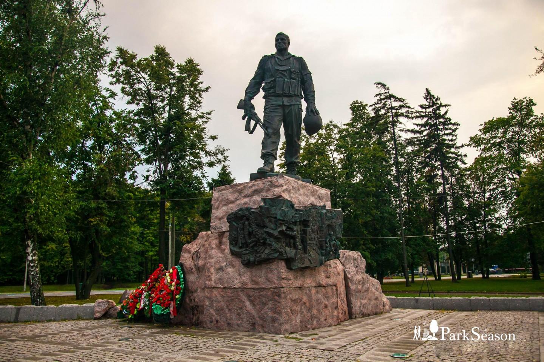 Памятник воинам-интернационалистам, Парк Победы на Поклонной горе, Москва — ParkSeason