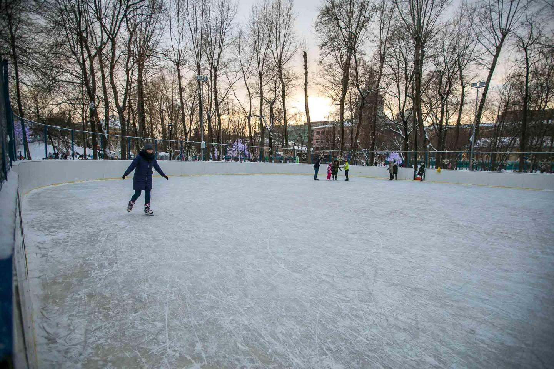 Хоккейная площадка, Делегатский парк, Москва — ParkSeason