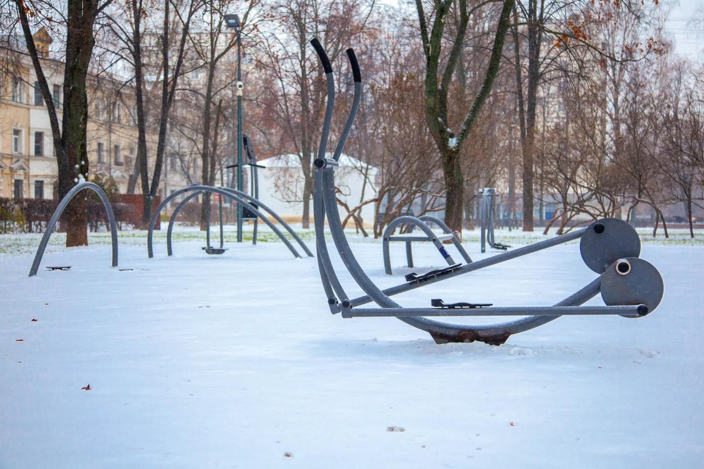 Уличные тренажеры, Гончаровский парк, Москва — ParkSeason