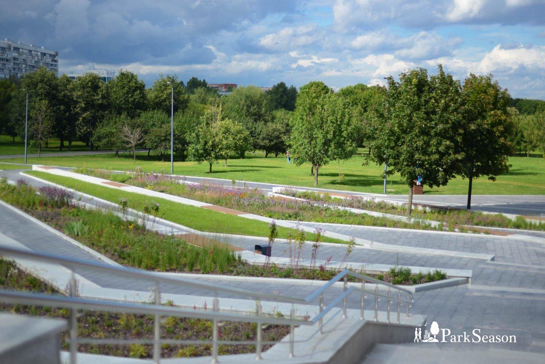 Фонтанная площадь, Парк «Садовники», Москва — ParkSeason
