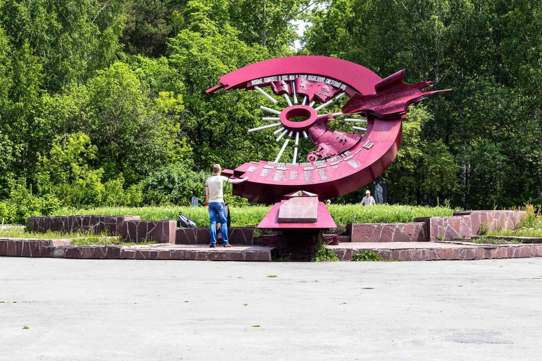 Памятник разведчикам-мотоциклистам — ParkSeason