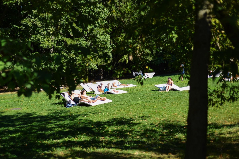 Зона с лежаками, Нескучный сад, Москва — ParkSeason