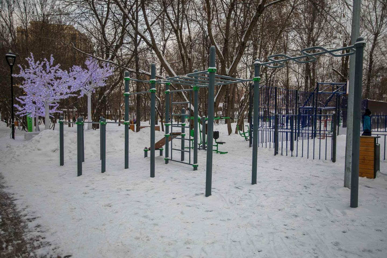 Площадка WorkOut, Делегатский парк, Москва — ParkSeason