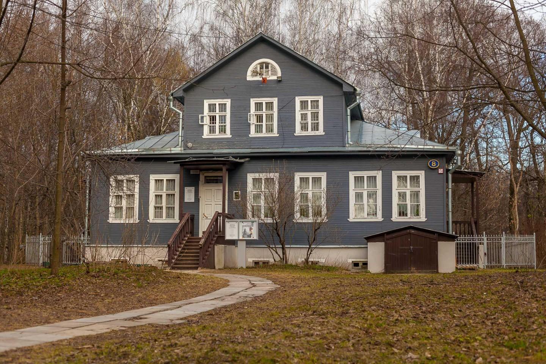 Московский литературный музей-центр К. Г. Паустовского, Парк «Кузьминки», Москва — ParkSeason