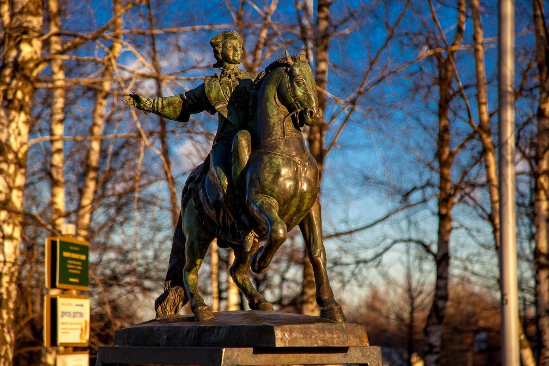 Модель памятника «Императрица Елизавета Петровна», Усадьба «Коломенское», Москва — ParkSeason