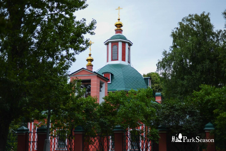 Церковь Живоначальной Троицы, Усадьба «Воронцово», Москва — ParkSeason
