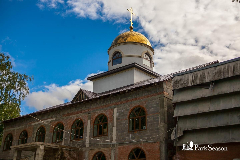 Храм «Всех святых в земле Русской просиявших» — ParkSeason