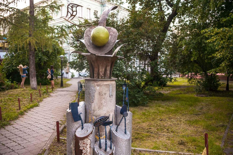 Памятник Ложке — ParkSeason