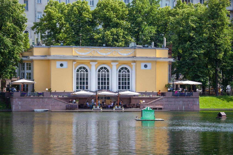 Кафе «Павильон», Патриаршие пруды, Москва — ParkSeason