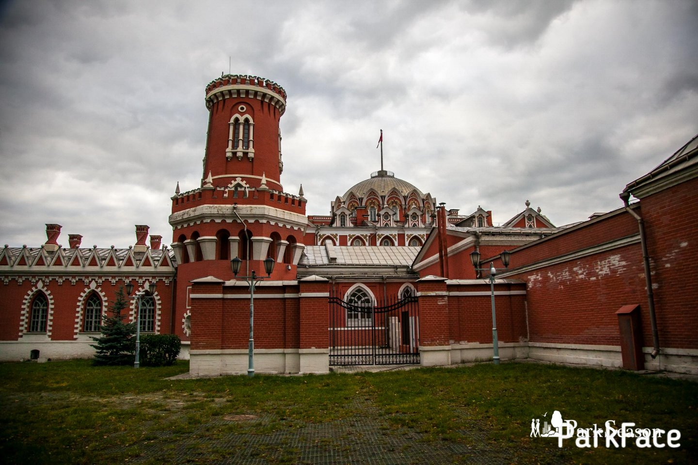Петровский путевой дворец  — ParkSeason