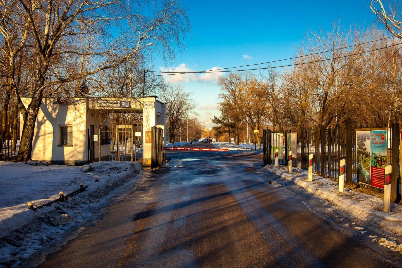 Вход в парк со стороны метро «Каширская», Усадьба «Коломенское», Москва — ParkSeason