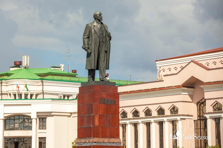 Памятник В.И. Ленину — ParkSeason