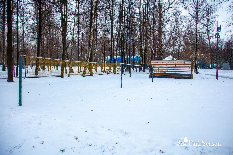 Площадка для игры в бадминтон, Лианозовский парк, Москва — ParkSeason