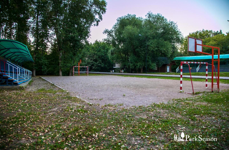 Спортивная площадка, Воробьевы горы, Москва — ParkSeason