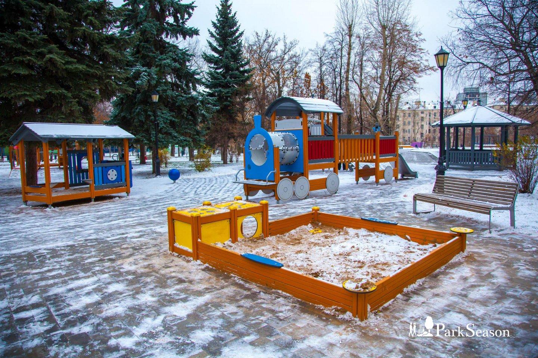 Детская площадка, Сад им. Баумана, Москва — ParkSeason