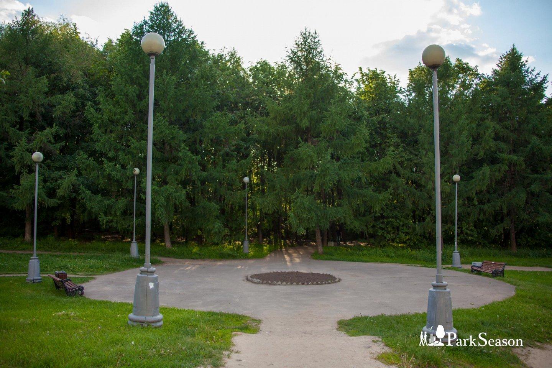 Вход в парк, Строгинский парк, Москва — ParkSeason