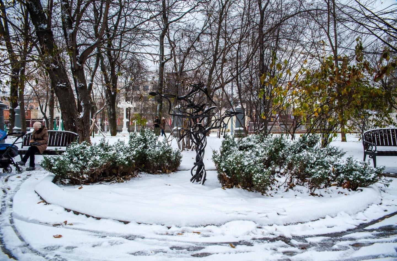 Клумба с арт-объектом, Сад «Эрмитаж», Москва — ParkSeason