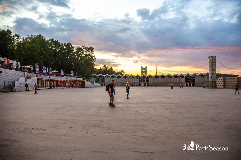Фестивальная площадь, Парк «Сокольники», Москва — ParkSeason