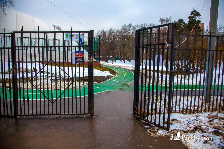 Входы в парк, Парк имени Льва Толстого (Химки), Москва — ParkSeason