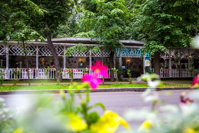 Кафе Veranda, Парк «Сокольники», Москва — ParkSeason
