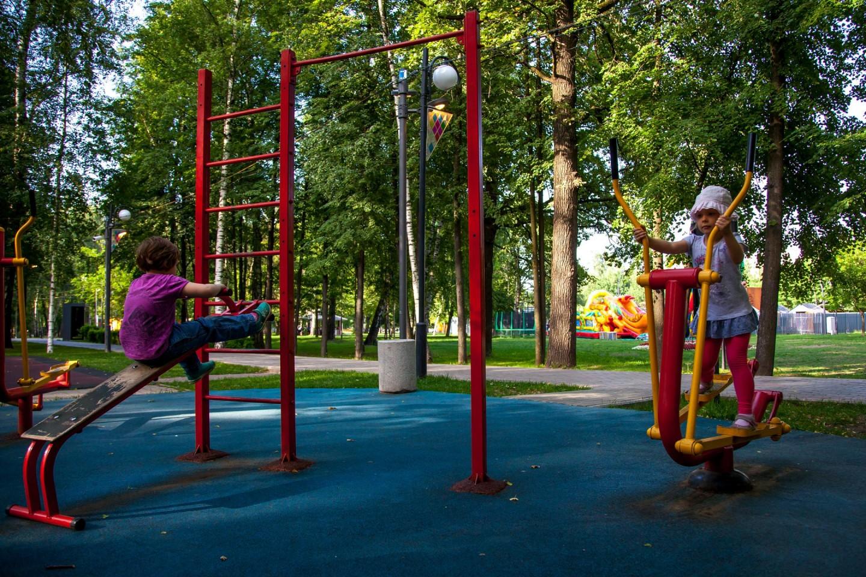 Уличные тренажеры, Лианозовский парк, Москва — ParkSeason