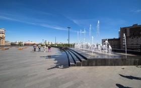 Октябрьская площадь: мероприятия, еда, цены, билеты, карта, как добраться, часы работы — ParkSeason