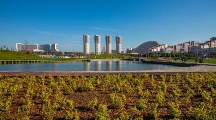 Новый парк на Ходынском поле: небоскребы, пруды и скейт-площадка