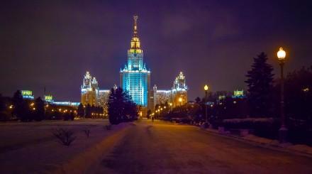 Корабль, «Метро-2» и подвал в 37 этажей: какие тайны приписывают сталинским высоткам