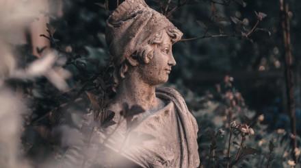 Великий Умывальник, Титаник и Дед Мазай: самые необычные скульптуры в московских парках