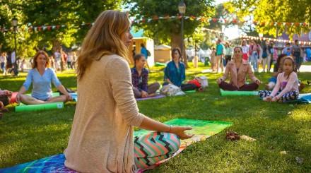 Бесплатный спорт в парках Москвы: йога, бег и танцы