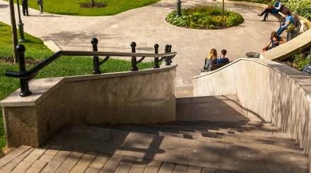 Кто и зачем оформляет временные городские пространства в Москве