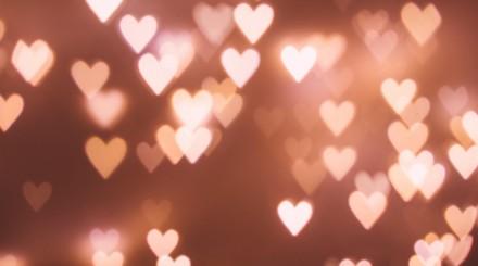 Для тех, кто так и не определился: 5 идей оригинальных подарков ко Дню влюбленных