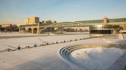 Солнечный парк Горького: ловим последние зимние деньки