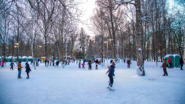 Каток в Лианозовском парке (закрыт на лето)