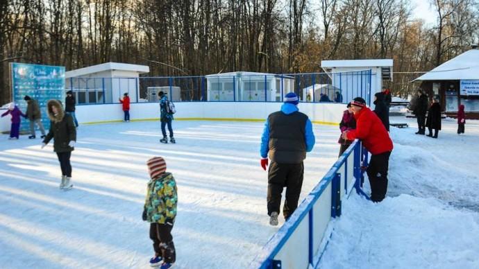 В парке «Фили» и парке 50-летия Октября откроют школы фигурного катания