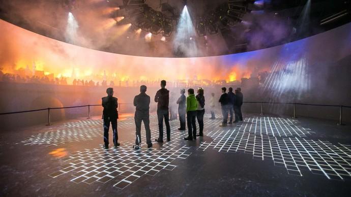 В Медиацентре «Зарядья» запустили виртуальные прогулки по Эрмитажу