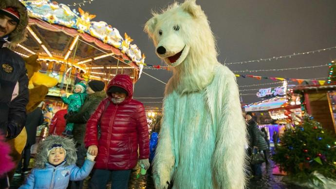 Посетители «Сокольников» прокатятся на льду в поддержку белых медведей