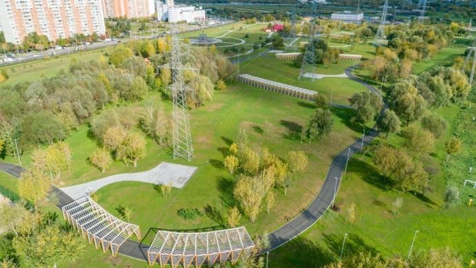 В парке 850-летия Москвы установили четырехкилометровую лыжероллерную трассу