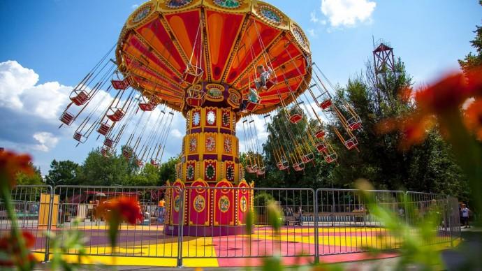 В парке «Сокольники» заработали аттракционы и Шахматно-Шашечный клуб