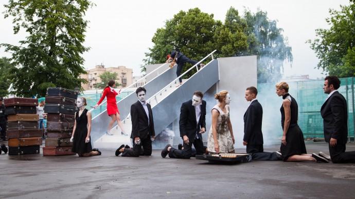 «Театральный марш» в саду «Эрмитаж»