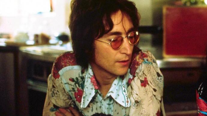 Фортепиано Джона Леннона продали на аукционе в США