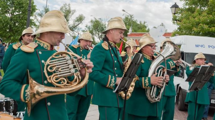 9 мая на трех московских вокзалах исполнят песни Победы